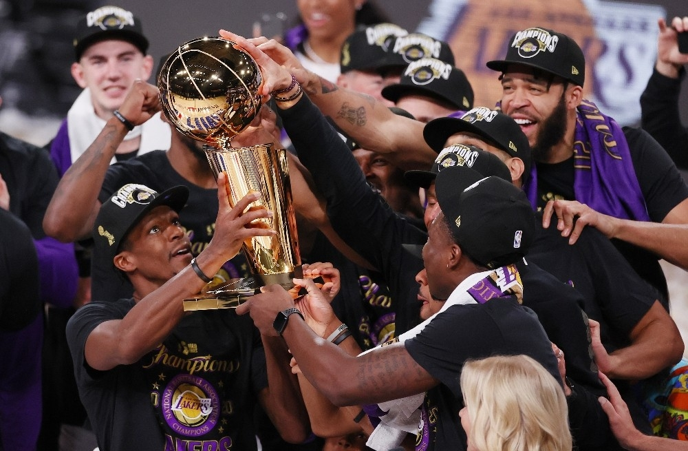 NBA'de şampiyon Los Angeles Lakers oldu